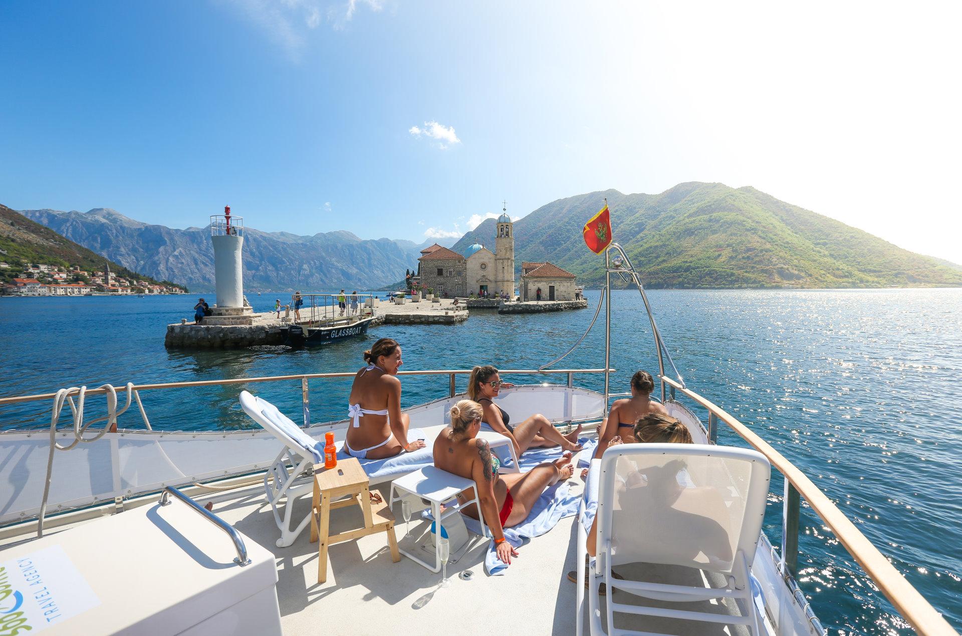 DAY 6: Boka Bay Cruise