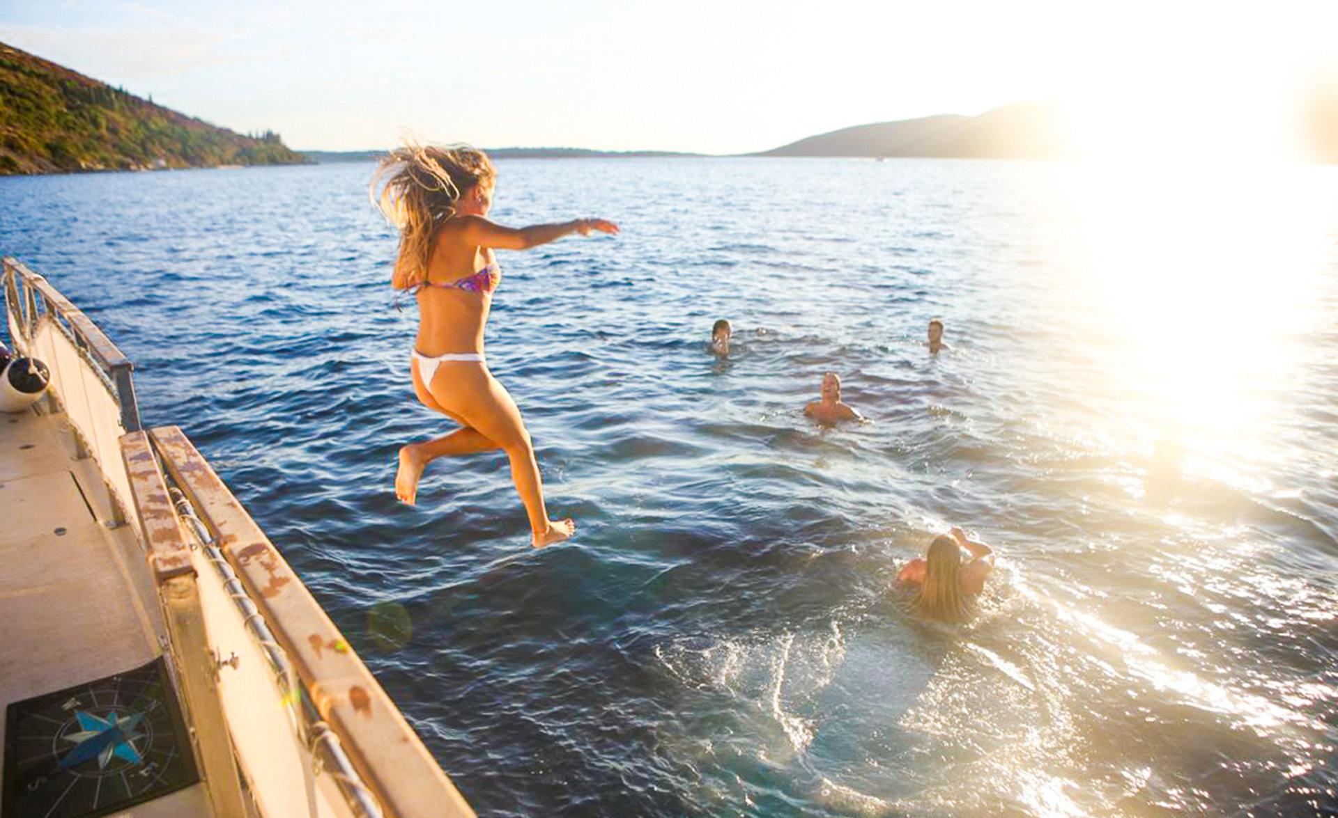 DAY 9. Boka Bay Cruise