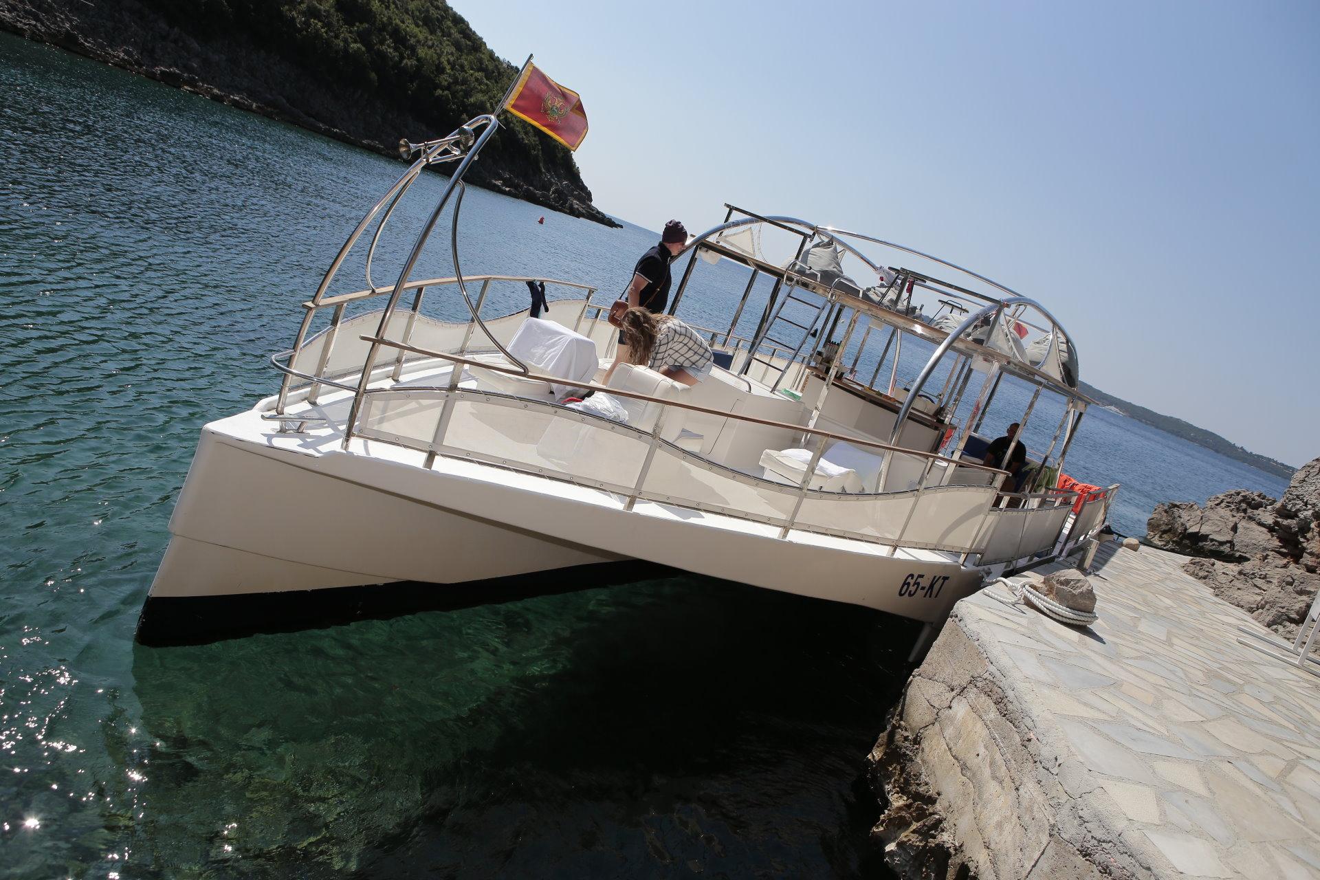 DAY 6. Boka Bay Cruise